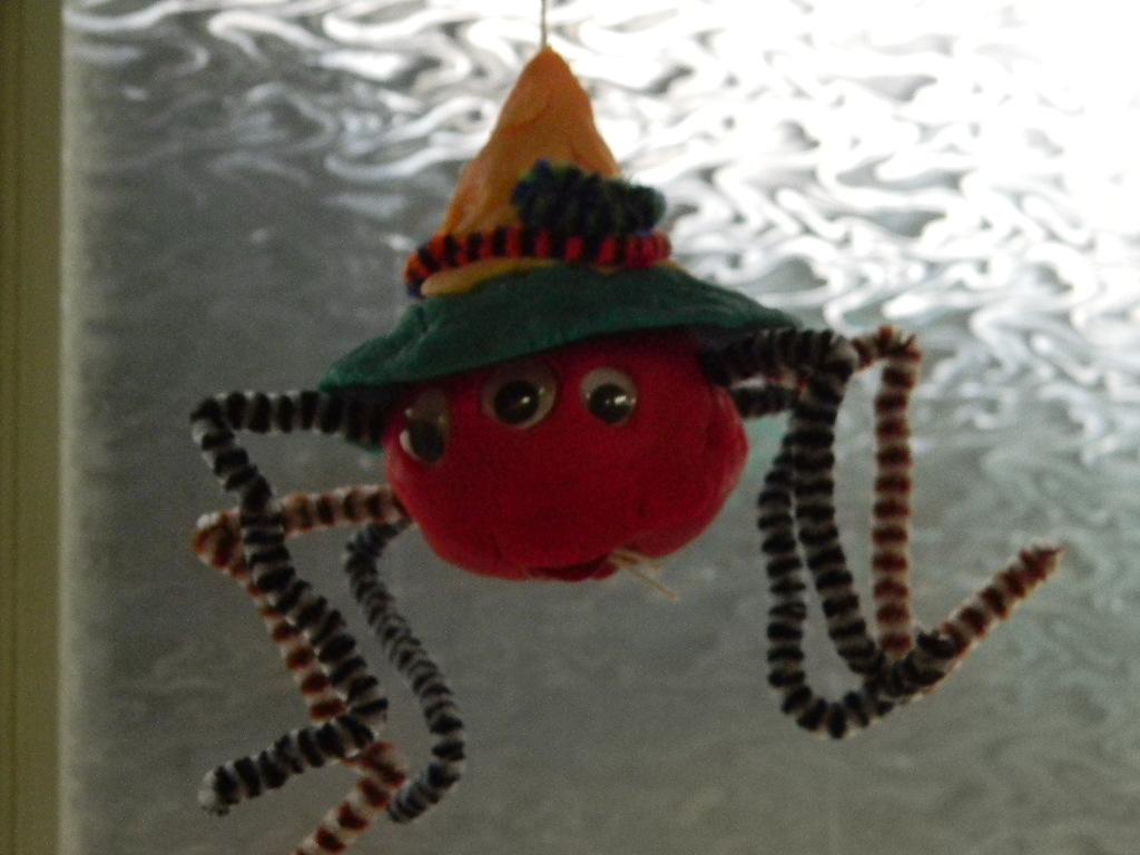 Une autre araignée monstrueuse! y'en a pas assez ou y'en a trop ...