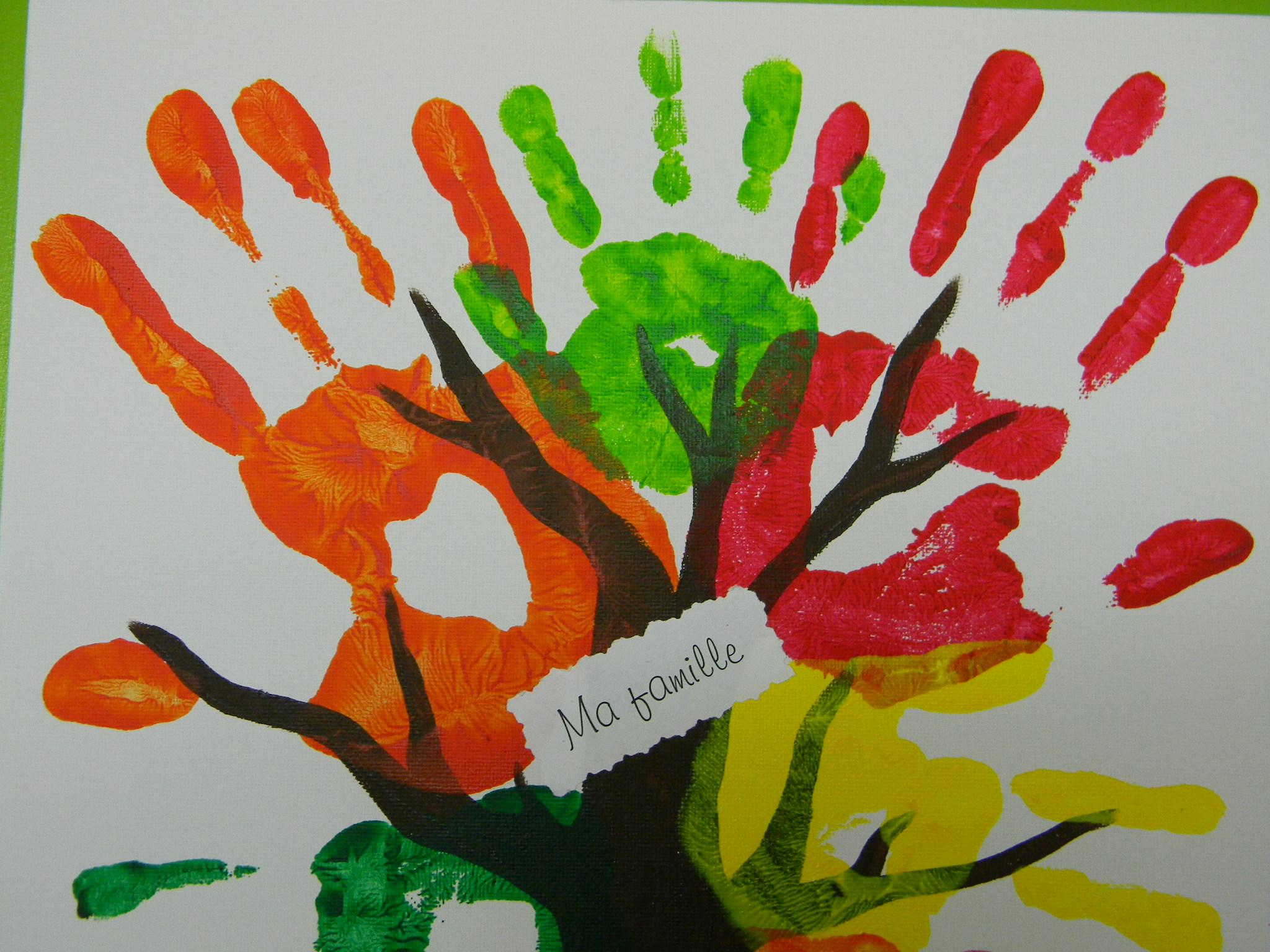 Peindre et cr er pour le plaisir cole des sens et autisme - Peinture main enfant ...