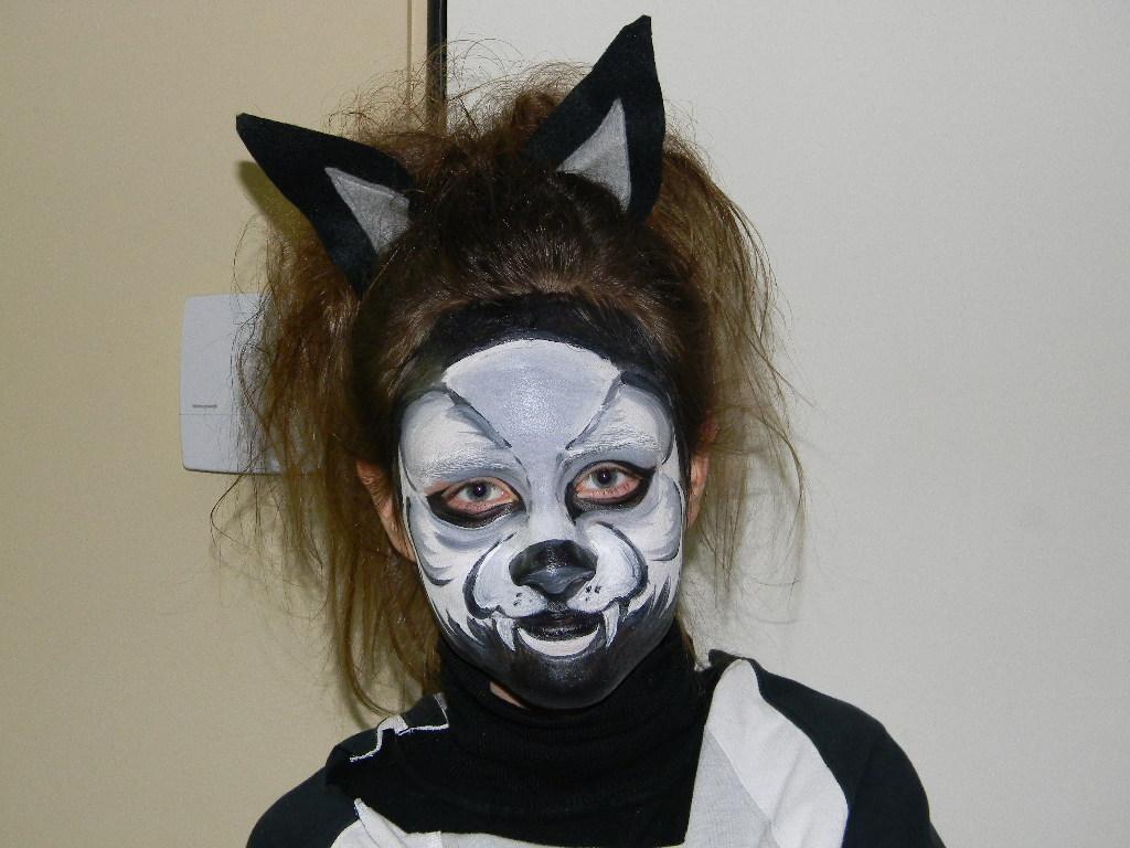 Halloween loup garou cole des sens et autisme - Maquillage loup facile ...